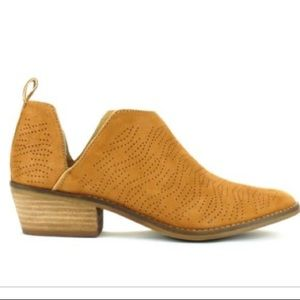 Lucky Brand Fayth Ankle Boots